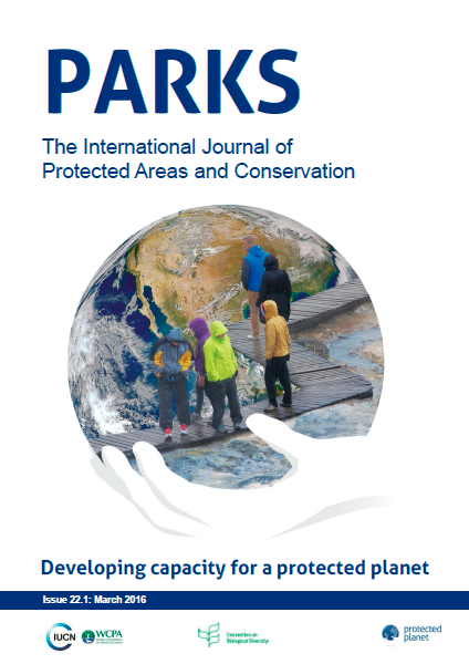 Capa da PARKS. The International Journal of Protected Areas and Conservation - Developing capacity for a protected planet